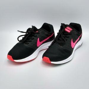 NIKE Downshifter 7 Lightweight Running Shoes Sz. 6